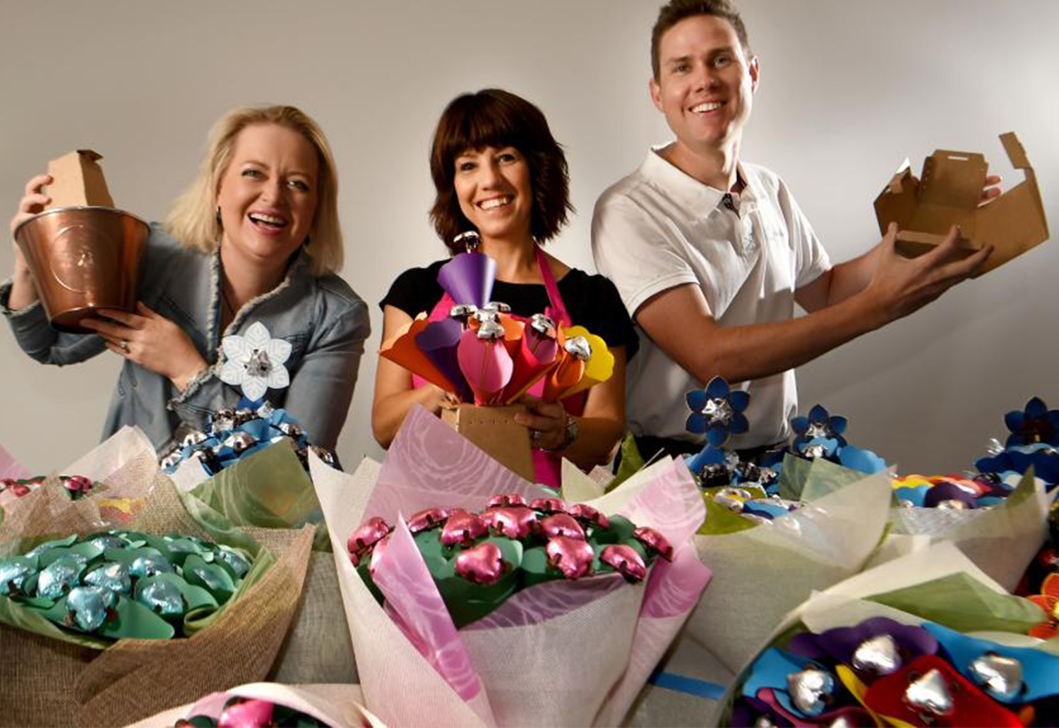 Image of Kelly Jamieson, Chrissie and Simon Harris at Edible Blooms
